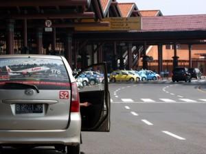 Rental mobil di jakarta untuk keperluan Antar ke bandara